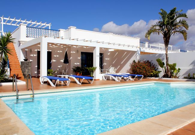 Villa/Dettached house in Playa Blanca - Ref. 182524