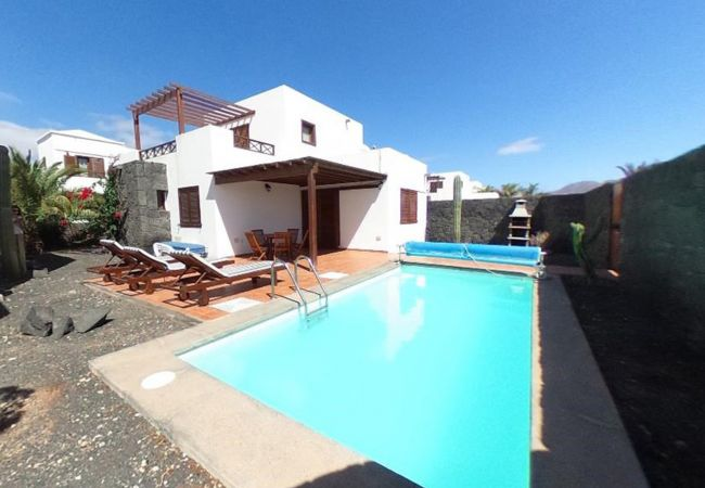 Villa in Playa Blanca - Ref. 182731