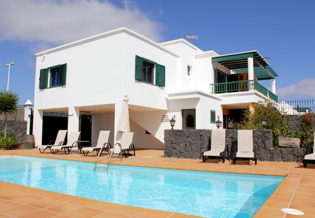 Villa in Playa Blanca - Ref. 237448